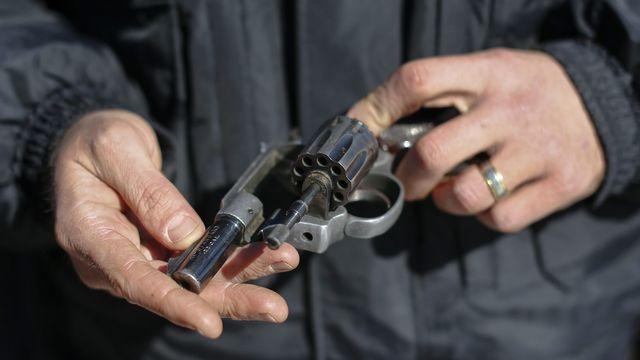 Un tribunal américain lève une loi qui interdisait aux moins de 21 ans de se procurer une arme, jugeant ce droit fondamental. [Erik S. Lesser - Reuters]
