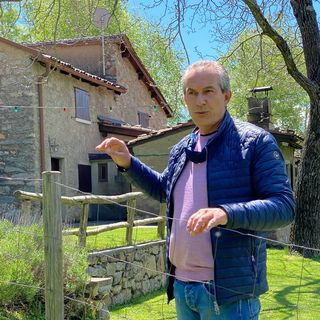 Marco Lepori propriétaire d'un rustico menacé de démolition [Nicole Della Pietra - RTS]