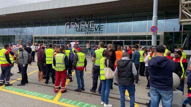Un mouvement de grève a provoqué des perturbations à Cointrin mercredi. Les syndicats dénoncent un dumping salarial durant la pandémie et réclament une meilleure CCT. [Avenir Suisse - Facebook]