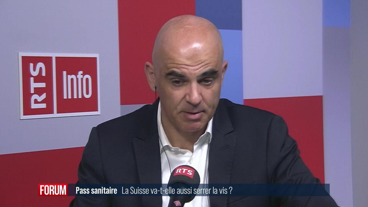 Pas de généralisation du certificat sanitaire en Suisse: interview d'Alain Berset [RTS]