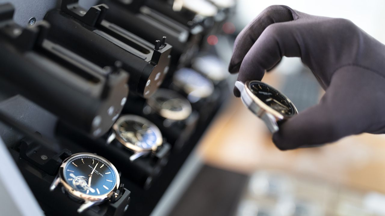 Les marques de luxe ont porté la reprise de l'industrie horlogère en Suisse. [Gaëtan Bally - Keystone]