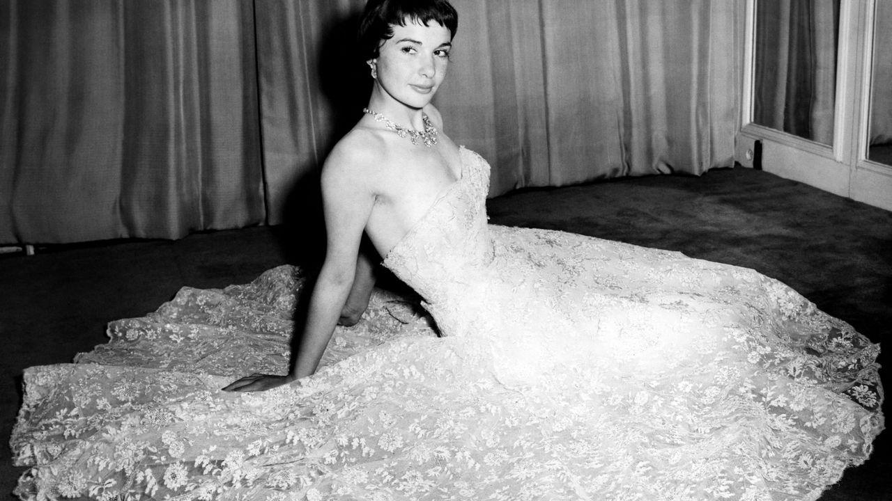 Françoise Arnoul en 1954, à Londres.   [INTERCONTINENTALE / AFP]