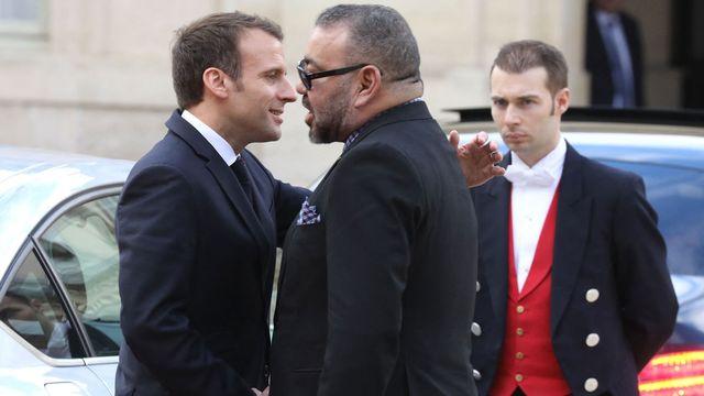 """Les """"amis"""" français et marocain Emmanuel Macron et Mohammed VI à Paris, en avril 2018. [Ludovic Marin - AFP]"""