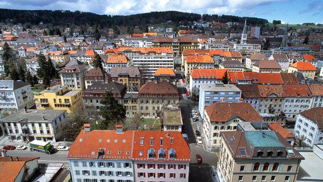 Une vue aérienne de la ville de La Chaux-de-Fonds. [Yoshiko Kusano - KEYSTONE]