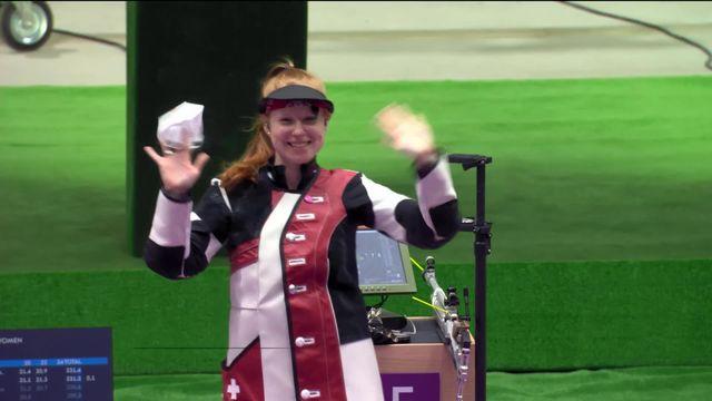 24.07 Tir à la carabine dames, 10m : Nina Christen (SUI) remporte la première médaille pour la Suisse avec sa 3e place [RTS]