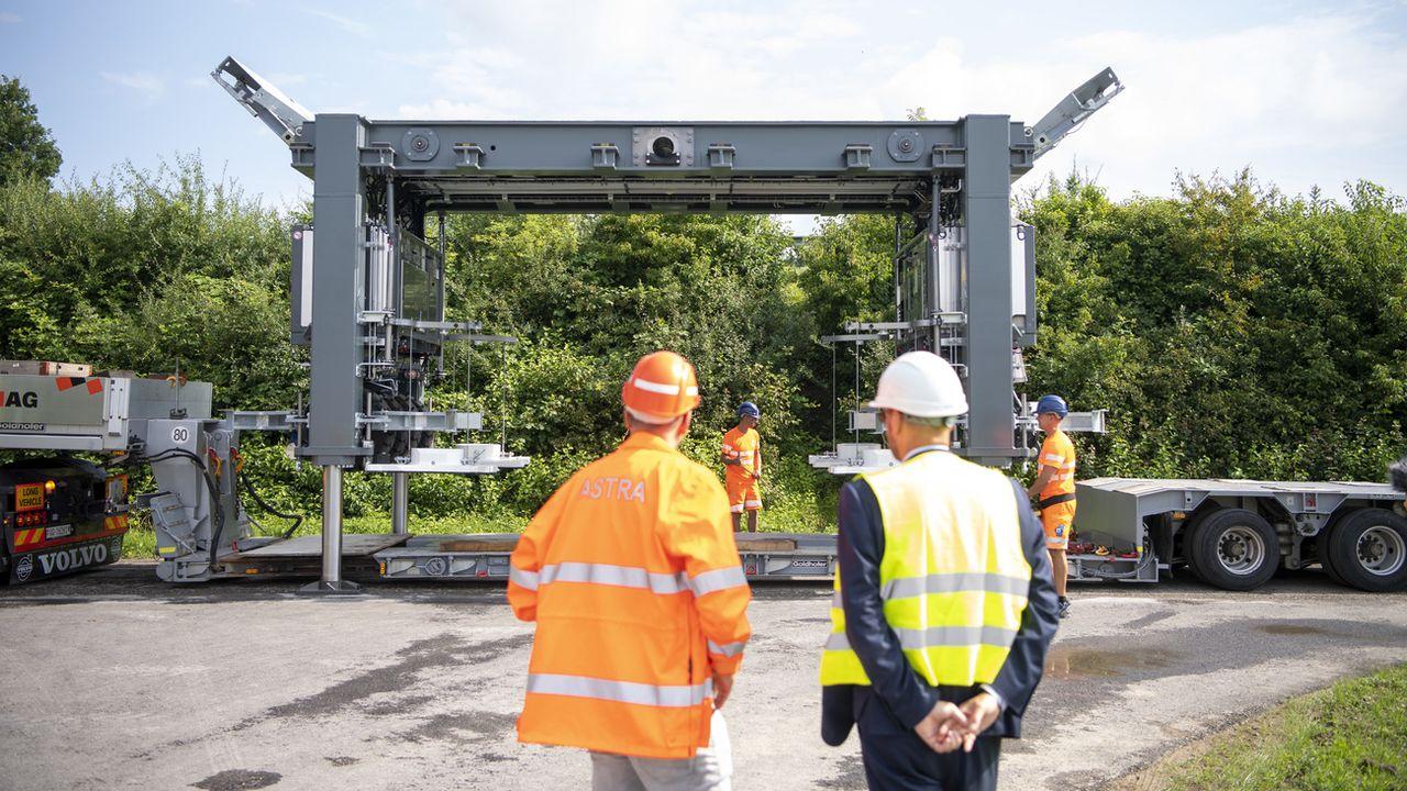 Le fournisseur achemine actuellement les éléments terminés au site d'entreposage près de Rothrist (AG). [Urs Flüeler - Keystone]