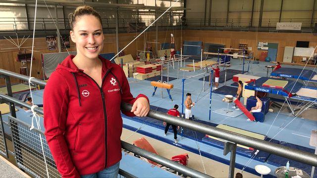 Giulia Steingruber s'entraîne chaque semaine au centre national de Macolin. Elle rejoint le canton de Saint-Gall durant les week-ends. [Sébastien Schorderet - RTS]