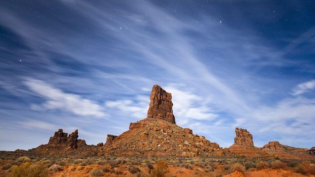 Le clair de lune illumine la Vallée des dieux près de Mexican Hat, dans l'Utah. Etats-Unis, novembre 2016 (image d'illustration). [Jim Lo Scalzo - Keystone/epa]