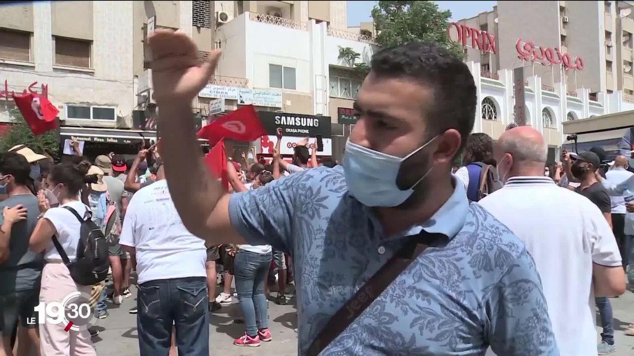 Crise politique en Tunisie. Hier le Président a suspendu le législatif et limogé le gouvernement [RTS]