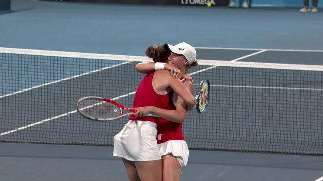 Tennis, double dames, 1-4, Golubic-Bencic (SUI) -  Perez-Stosur (AUS) (6-4, 6-4):les Suissesses en 1-2 finale du double dames ! [RTS]