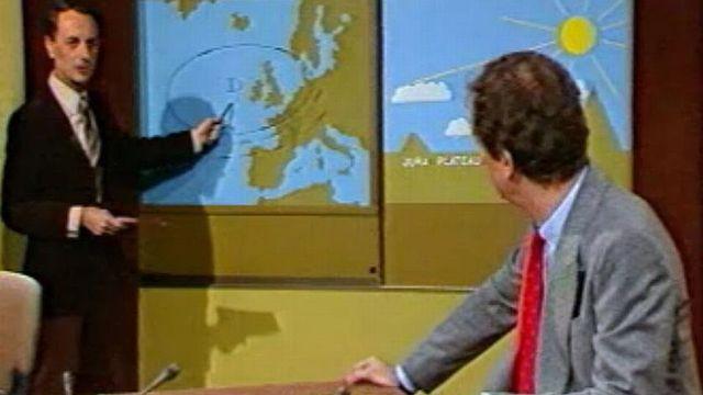 """Jean-Daniel Altheer en compagnie de Pierre-Pascal Rossi, sur le plateau de """"Un jour, une heure"""" en 1978. [rts.ch]"""