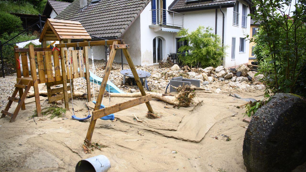 Les assurances bâtiments estiment les dommages des récentes intempéries à 650 millions de francs. [Laurent Gilliéron - Keystone ]