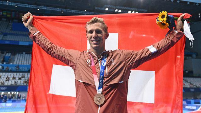 Jérémy Desplanches était forcément ému après avoir remporté la médaille de bronze de 200m 4 nages. [Attila KISBENEDEK - AFP]