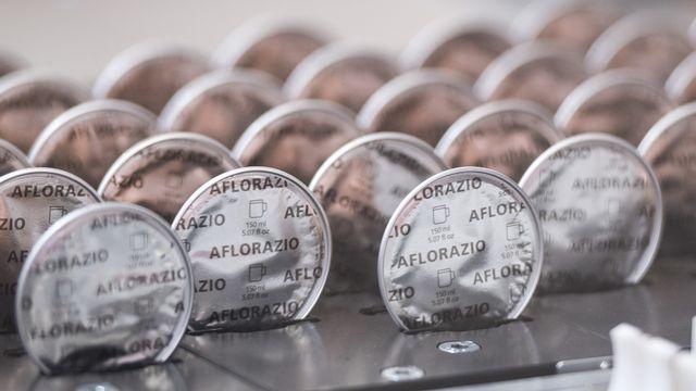Le télétravail a porté les ventes de café en capsules dans le monde. [Adrien Perritaz - Keystone]