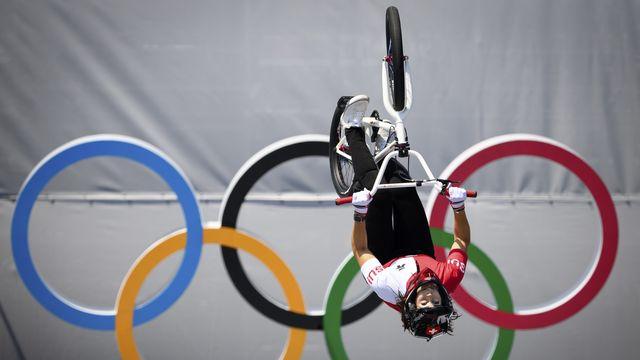 Nikita Ducarroz s'est envolé vers la médaille de bronze en BMX Freestyle aux JO de Tokyo. [Laurent Gillieron - Keystone]