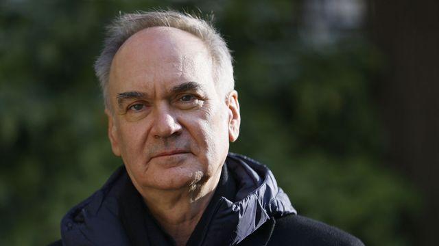 L'écrivain français Hervé Le Tellier le 30 novembre 2020 à Paris. [Thomas SAMSON - AFP]