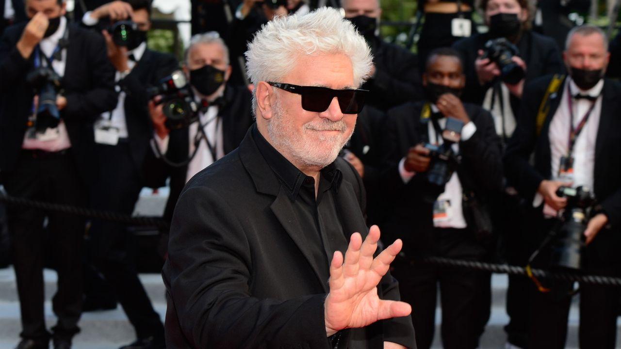 Le réalisateur Pedro Almodóvar à l'ouverture du 74ème Festival de Cannes, le 6 jullet 2021. [Caroline Blumberg - Keystone]
