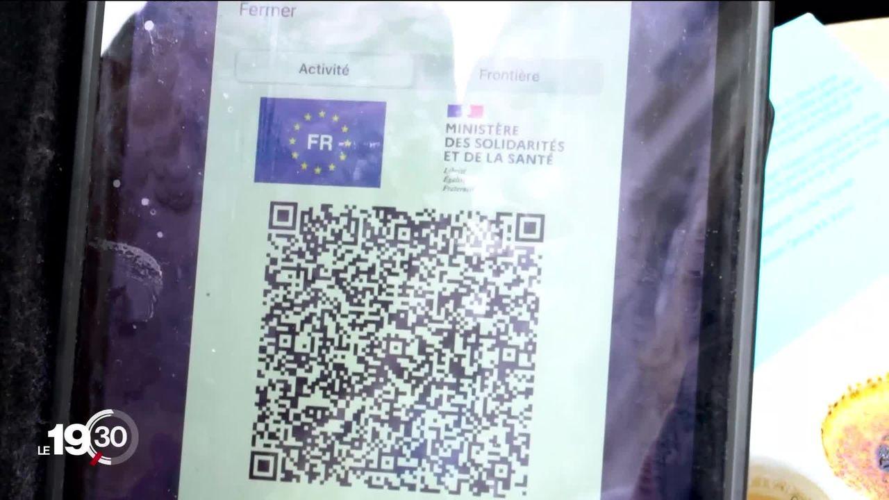 En France, la traque aux faux pass sanitaires a débuté [RTS]