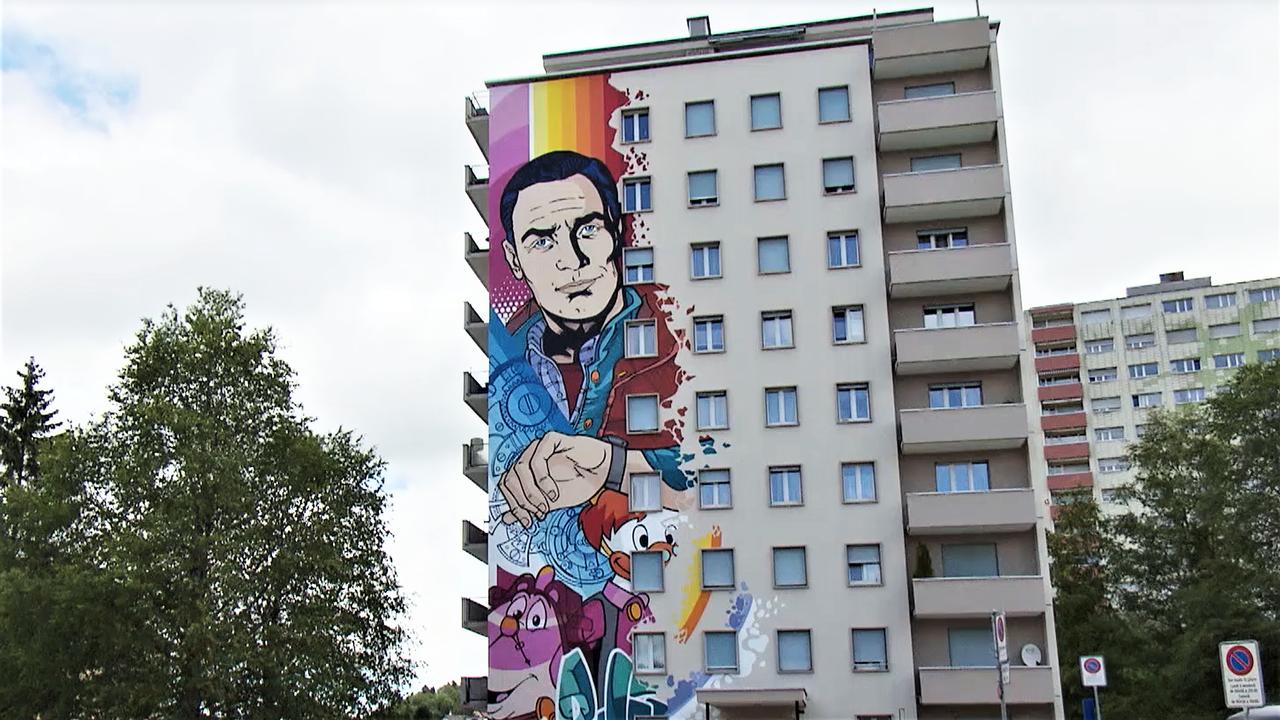 Le Street Art de l'artiste Bâlois Bust au Locle. [RTS]