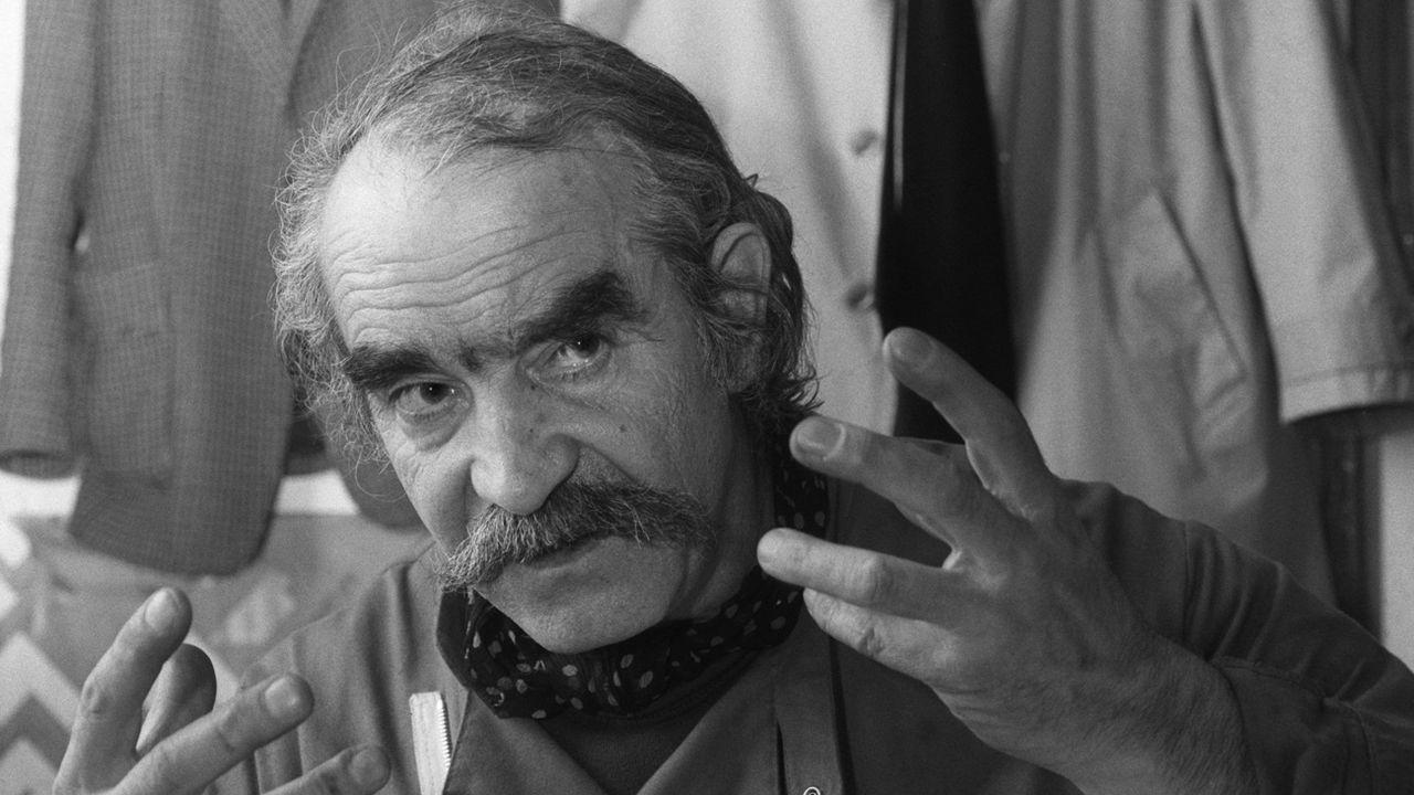 L'artiste Jean Tinguely dans son atelier en 1983. [Keystone]