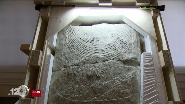 Des stèles funéraires néolithiques mises au jour à Sion quitteront le Valais pour Zurich et le British Museum de Londres [RTS]