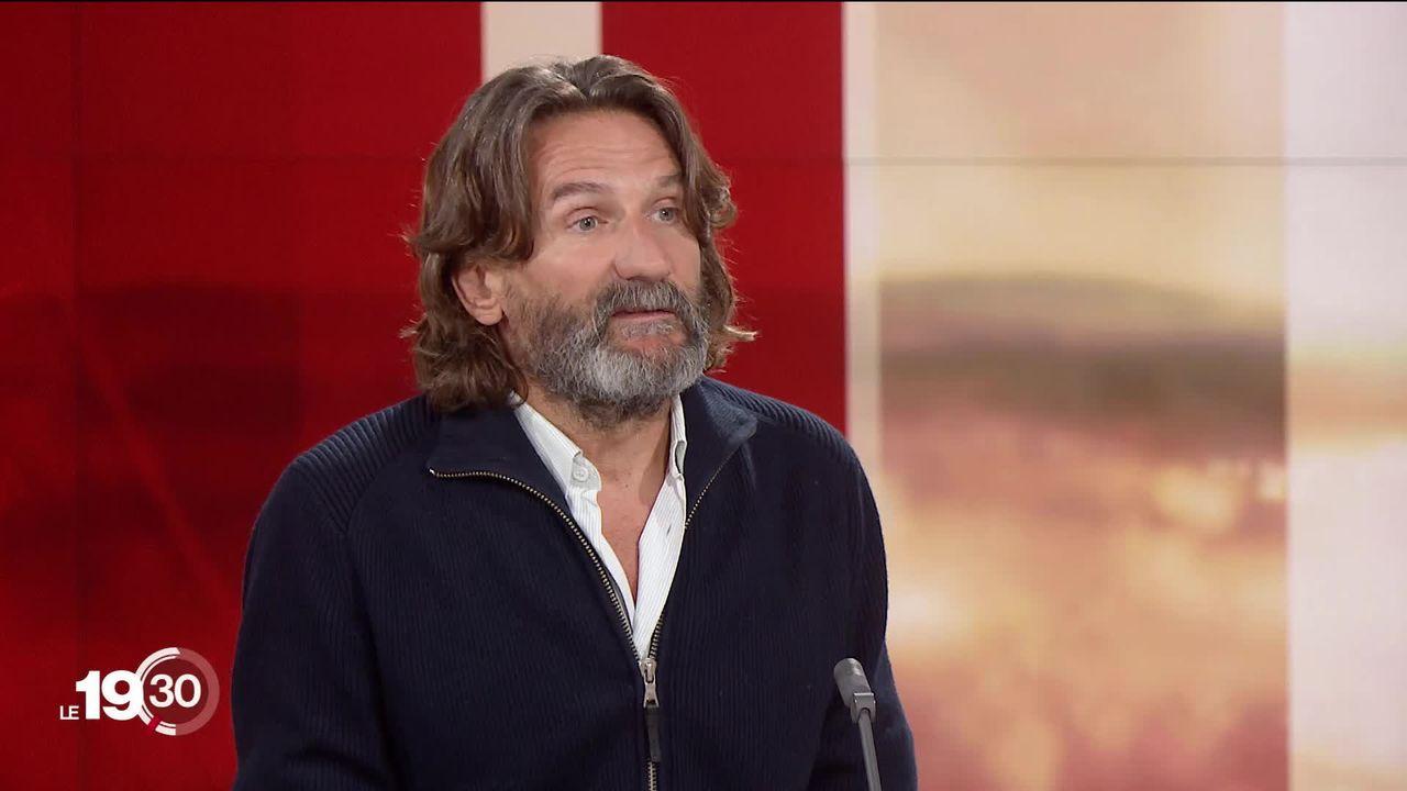 """L'écrivain Frédéric Beigbeder présent à """"Livre sur les quais"""" à Morges. Il met en garde contre la pensée unique. [RTS]"""