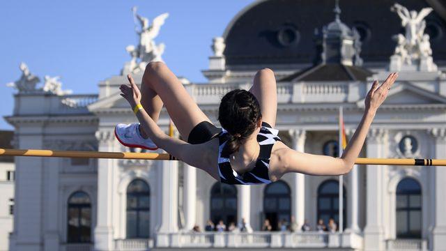 Mariya Lasitskene a signé la meilleure performance de l'année avec une barre à 2m05. [Jean-Christophe Bott - Keystone]