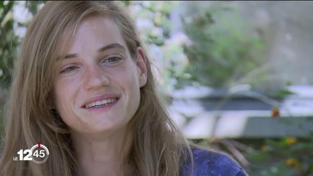 Noémie Schmidt incarne Antigone dans une pièce jouée au Crochetan à Monthey [RTS]