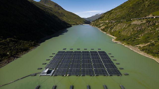 Énergie Solaire (5/5): les pôles énergétiques : clé de la transition ? [Valentin Flauraud - ©Romande Energie]