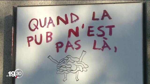 À Genève, il ne devrait plus y avoir d'affiches publicitaires dans la ville dès 2025. [RTS]