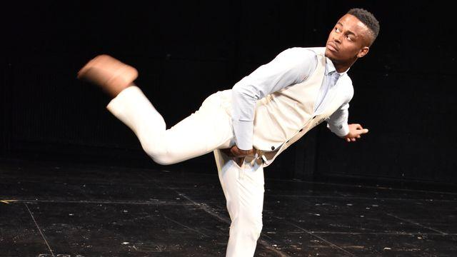 Le danseur ivoirien Ordinateur, star du coupé-décalé. [DR]
