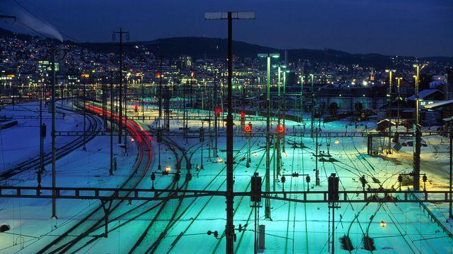 La gare de Zurich de nuit. Martin Ruetschi Keystone [Martin Ruetschi - Keystone]