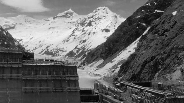 Le barrage de la Grande Dixence en 1960. [RTS]