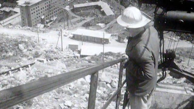 L'aumônier de la Grande Dixence en 1960. [RTS]