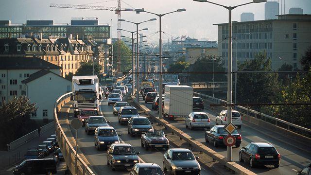 Le pont de Hardbrueke à Zurich, congestionné [GAETAN BALLY - KEYSTONE]