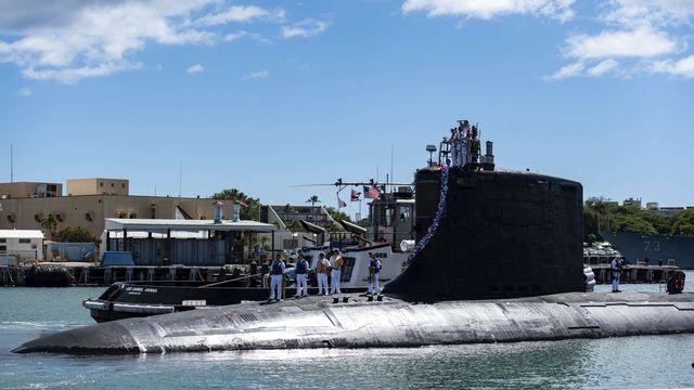Les Américains livreront des sous-marins à propulsion nucléaire comme celui-ci à l'Australie. [Mass Communication Specialist 1st Class Michael B. Zingaro/U.S. Navy via AP - Keystone]