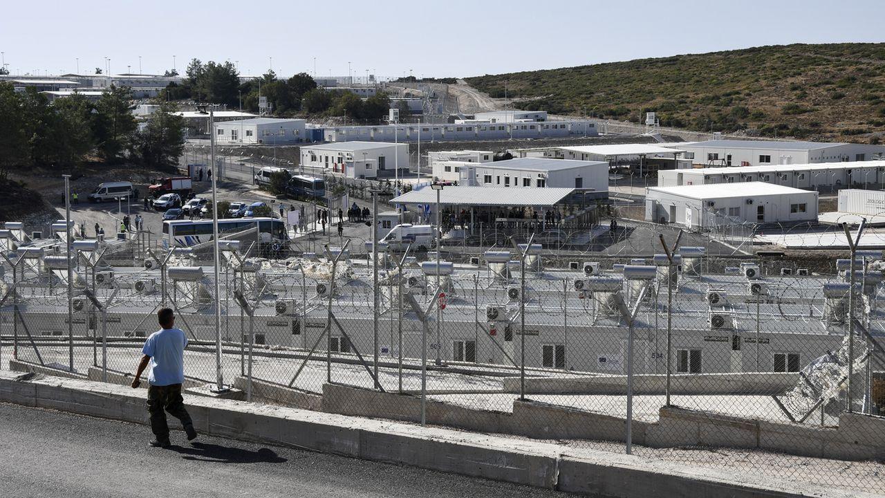 Une vue du nouveau centre d'accueil et d'identification des migrants sur l'île de Samos, en Grèce, le 18 septembre 2021. [AP Photo/Michael Svarnias - Keystone]