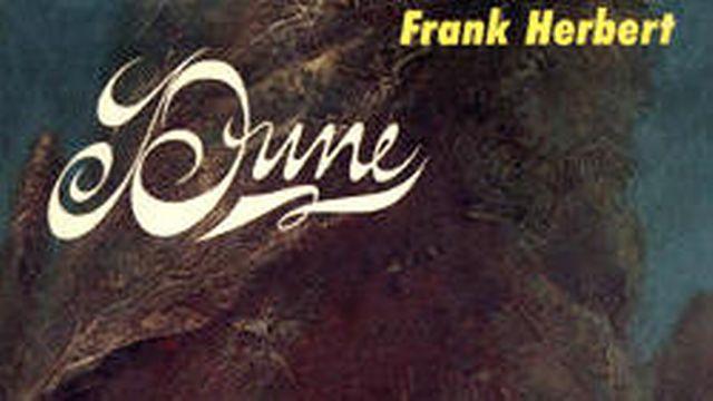 """Couverture de la première édition du livre """"Dune"""" de Frank Herbert. [Chilton Books - wikipedia]"""
