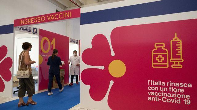 L'extension du pass sanitaire en Italie dope les rendez-vous de vaccination. [Eliano Imperato - AFP]