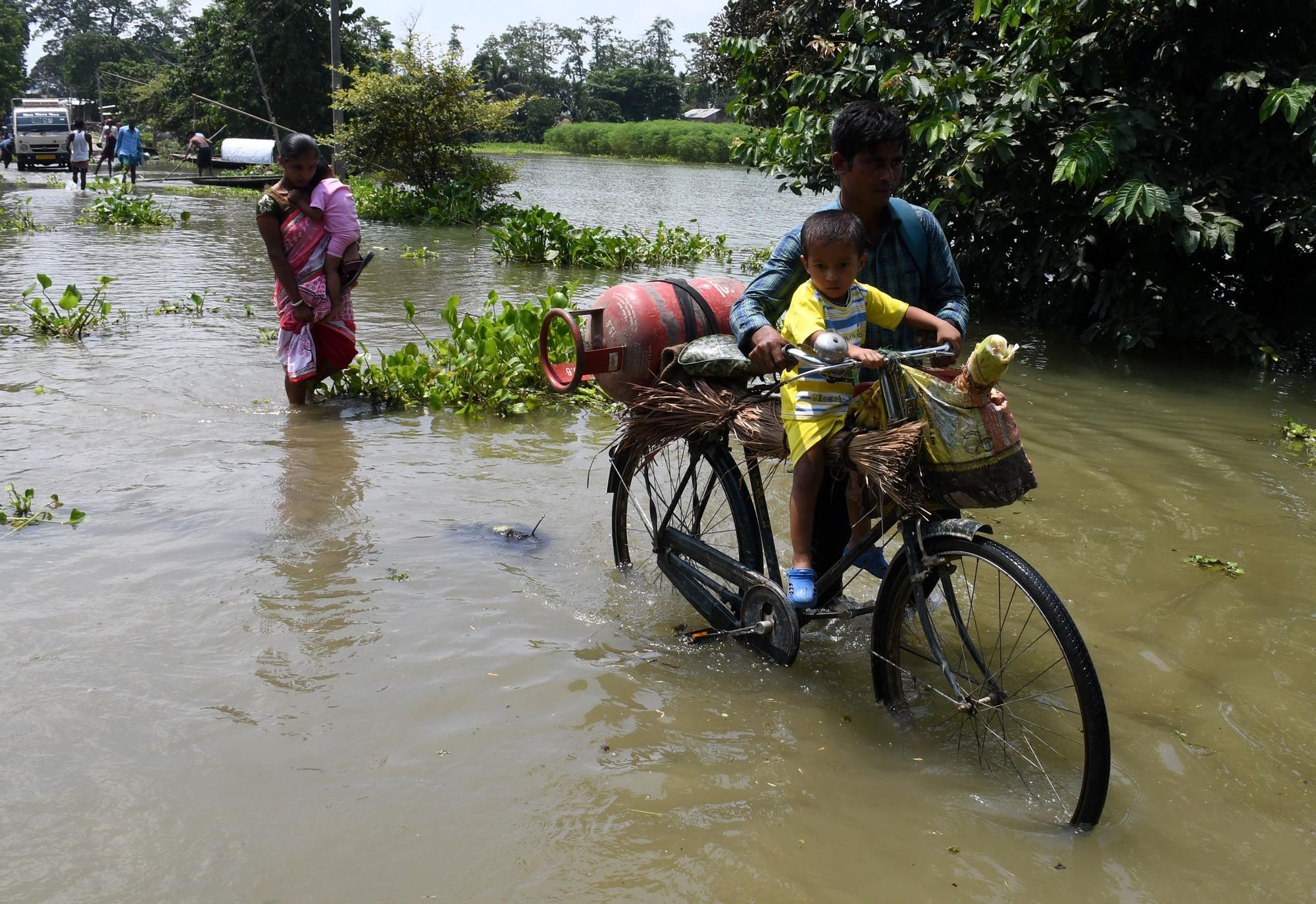 En Inde, le fleuve Brahmapoutre devient incontrôlable avec le changement climatique