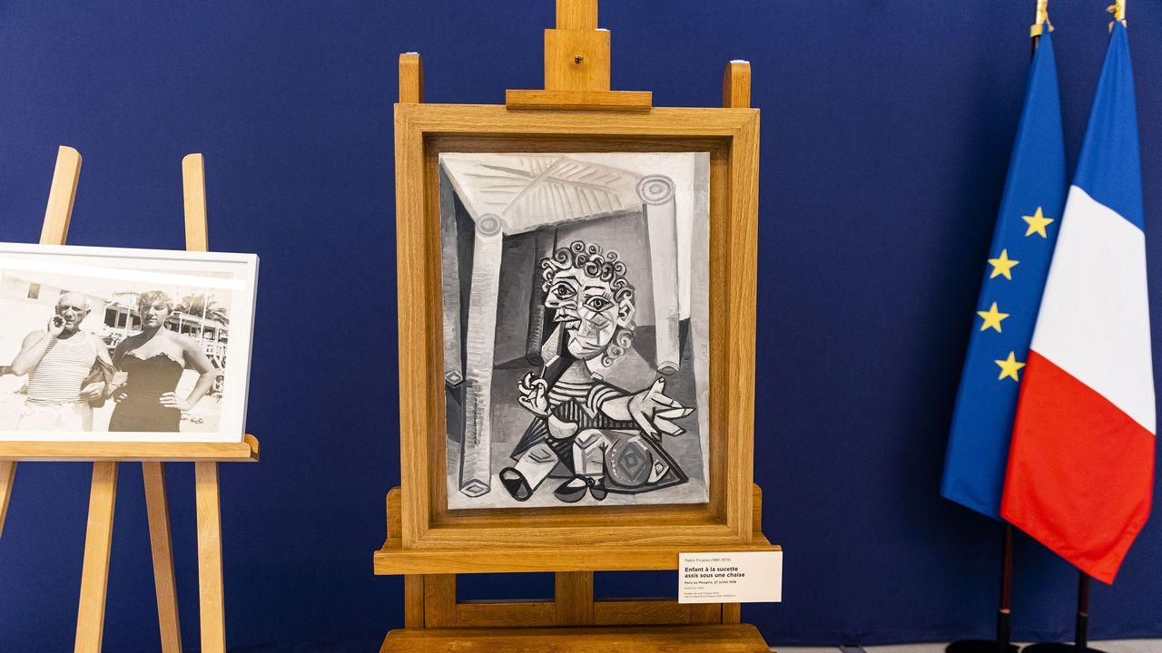 """""""L'enfant à la sucette assis sous une chaise"""" de Pablo Picasso. [AFP/POOL]"""