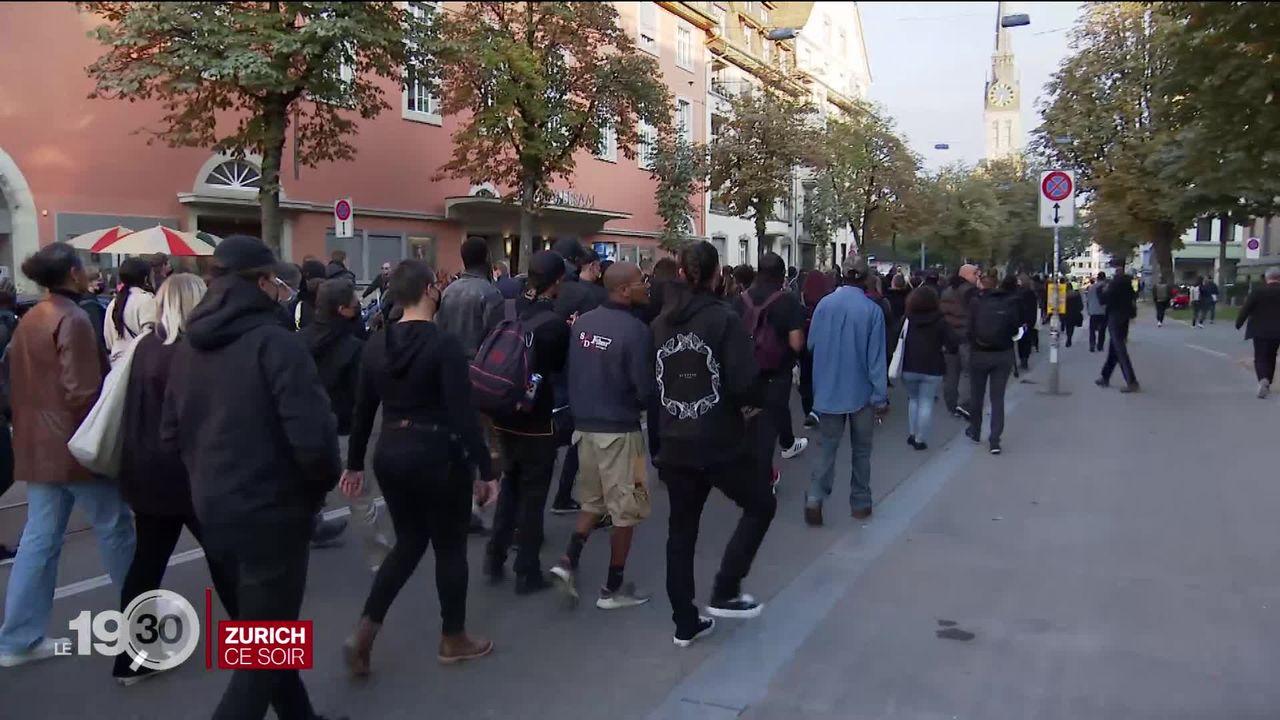 Trois semaines après la mort d'un homme en gare de Morges, des manifestants dénoncent une bavure raciste [RTS]