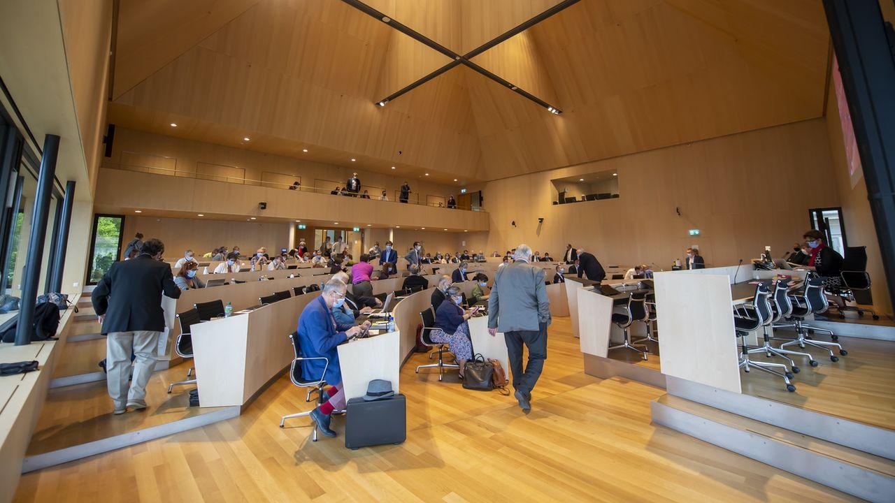Le Grand Conseil vaudois lors d'une séance plénière le 30 juin 2021 à Lausanne. [Martial Trezzini - Keystone]