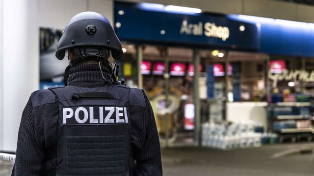 Un employé d'une station-service a été tué le 18 septembre à Idar-Oberstein (ouest de l'Allemagne) par un client qui refusait de porter le masque. [DPA/Christian Schulz - Keystone]