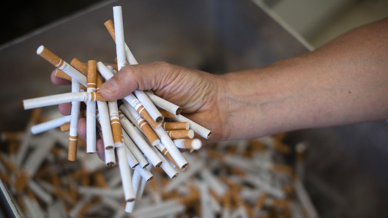 La vente de cigarettes à des mineurs sera interdite et la publicité pour le tabac davantage réglementée en Suisse. [Stefan Meyer - Keystone]