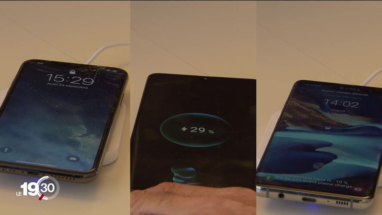 Apres 12 ans de débats, la Commission européenne compte imposer un chargeur unique pour les téléphones mobiles. [RTS]