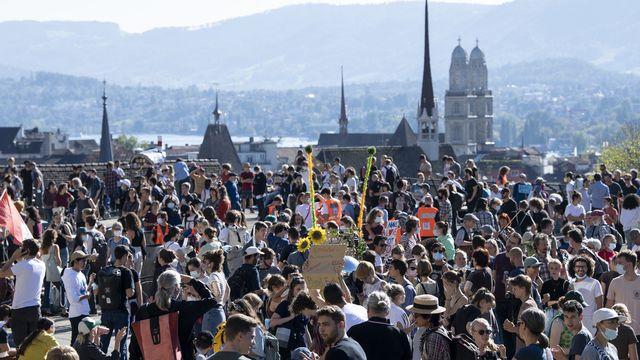 La foule des manifestants de la Grève du climat à Zurich. [Ennio Leanza - Keystone]