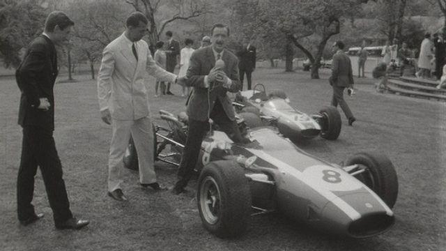 Une nouvelle écurie pour Jo Siffert en 1966. [RTS]