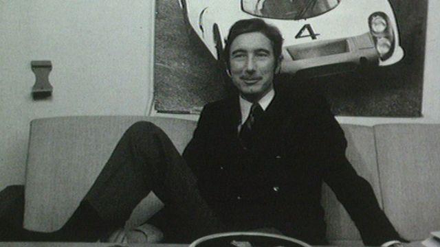 Une jambe dans le plâtre, le pilote Joseph Siffert fait le bilan de sa saison 1969. [RTS]