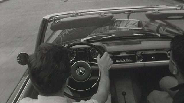 Visite du parcours du Grand prix de Monaco au volant de la voiture de Jo Siffert en 1967. [RTS]